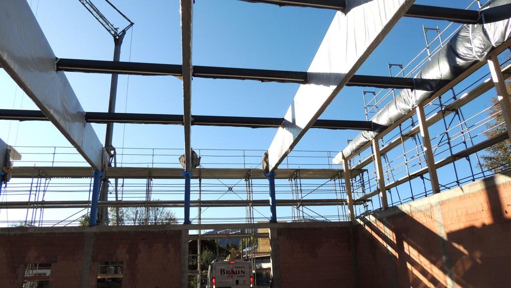 Weitere Ansicht Holzkonstruktion des Daches